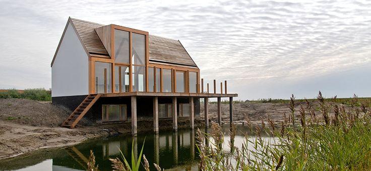 C een huis op texel mooie combinatie van materialen for Huis laten stylen