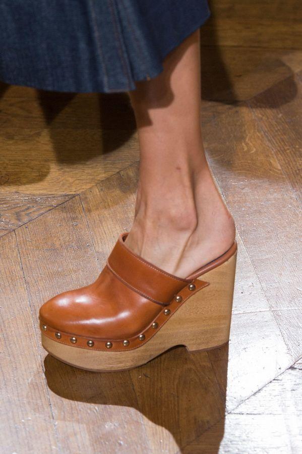 Женская обувь тенденции весна-лето 2017. Сабо Vanessa Seward