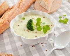 Crème de chou fleur et brocolis : http://www.cuisineaz.com/recettes/creme-de-chou-fleur-et-brocolis-12617.aspx