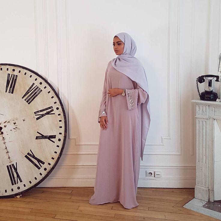 """1,000 Likes, 8 Comments - Jennah Boutique (@jennah_boutique) on Instagram: """"Abaya CRYSTAL mauve Maxi hijab gris A retrouver sur le site et en boutique www.jennah-…"""""""