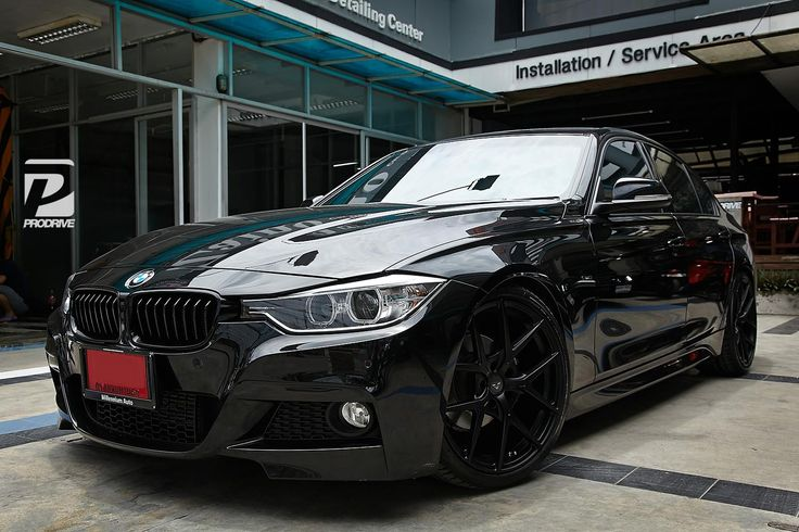All Black F On Lightweight VFF Automotive Perfection - All black bmw