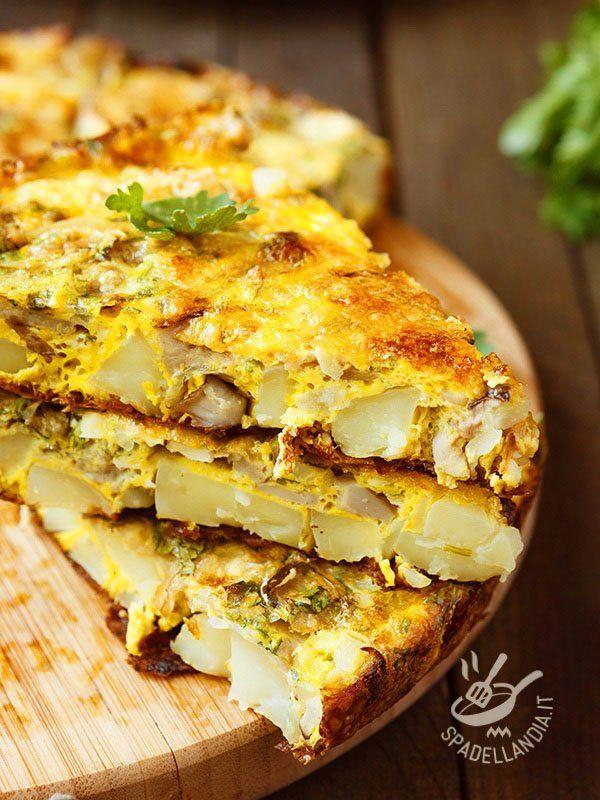 Scalloped potatoes and artichokes - Il Tortino di patate e carciofi è tipico della tradizione contadina toscana, quando si preparavano con ingredienti dell'orto piatti semplici e gustosi! #tortinodipatata #tortinodicarciofi