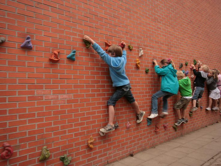 Transforming a brick wall into a climbing wall.  This could be a simple, affordable way to bring more play and physical activity into a space (article in Spanish).