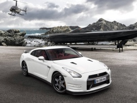 Helicopter Nissan GT R wallpapers | Free Desktop Wallpapers