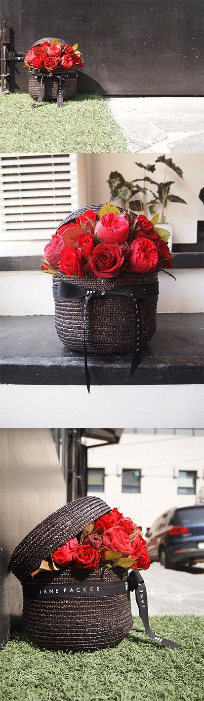 my first JANE PACKER flower design :) Valentine style hat box