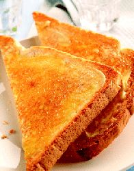 Обжаренный хлеб с сыром