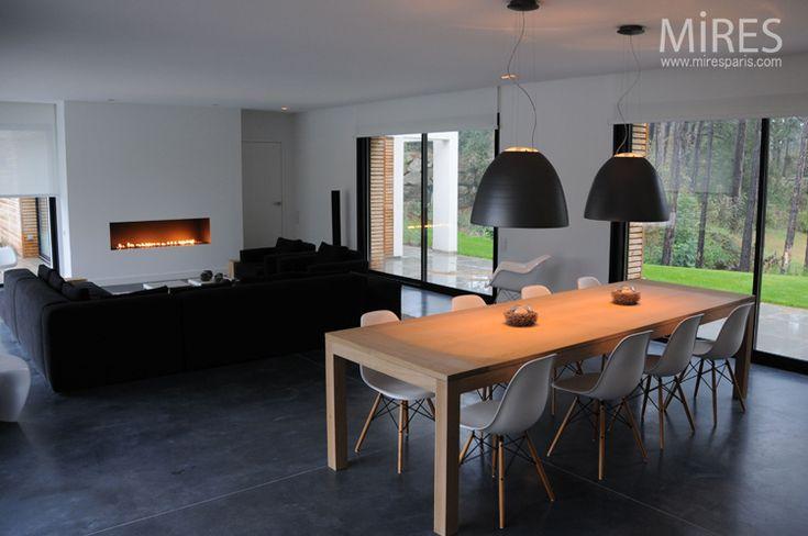 Maison Moderne Diningchair, table bois, cheminée Idées pour