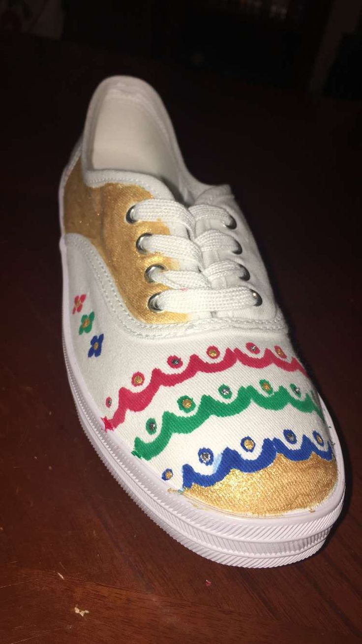 Handmade... drawing on shoes... gift to my daughter on her birthday 😍😍