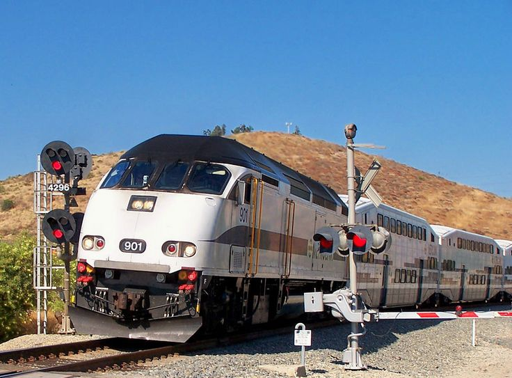 Metrolink Ventura County Line train 115, in pull mode