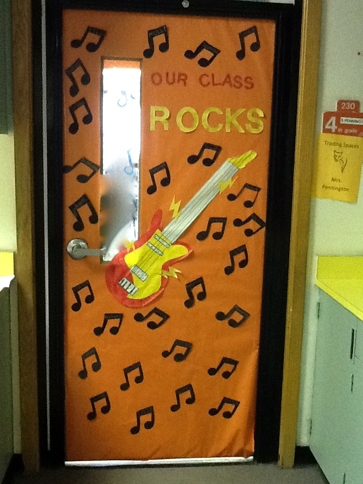 4th Grade Door Display...each child's name is on a music note