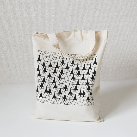 Tote bag with silkscreen print 'triangle trees' by itsukonaka, ¥600