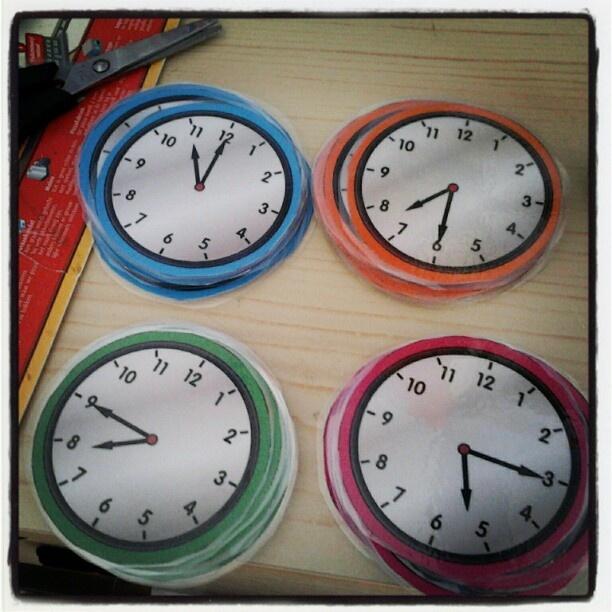 Klokjes voor het oefenen van klokkijken!