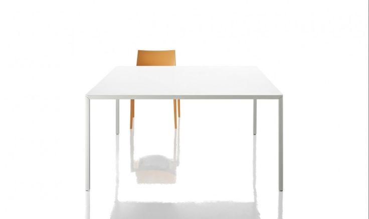 Pi di 25 fantastiche idee su tavoli bianchi su pinterest for Tavoli bianchi