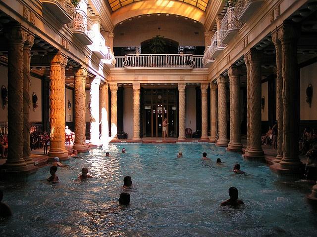 Balneario Gellert - Los baños más famosos de #Budapest #Hungria