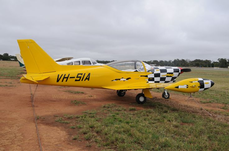 Marchetti SF.260 VH-SIA with a stunning paint scheme at Temora Airport.