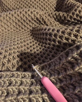 ♥ A couple of weeks ago I finished my Waffle Stitch blanket and I have to say, I think it has been one of favourite blanket makes so far.  I've been wanting to try this particular stitch for some time