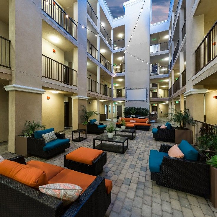 The Open Air Courtyard At Zuma Student Housing Is Perfect For Studying Socializing Or Simply Relaxing Student Apartment Student House House