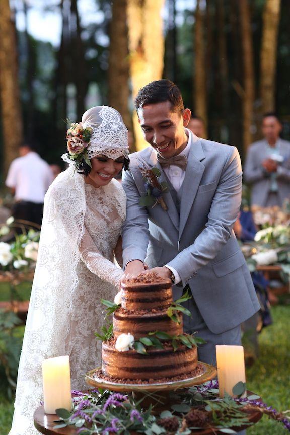Resepsi pernikahan Andien Ippe di Pine Forest Lembang - www.thebridedept.com