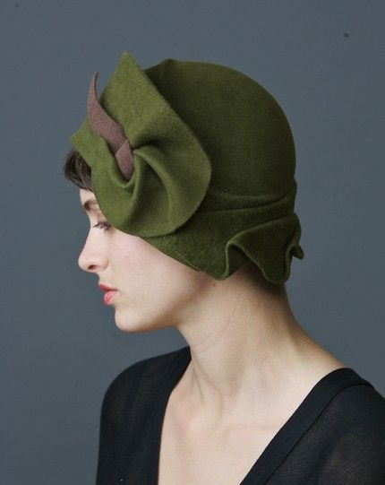 cloche: 1920S Style, Green, Felt Bell, Vintage Hats, Bows, Cloche Hats, Victoria Secret Models, Forefront, Fields