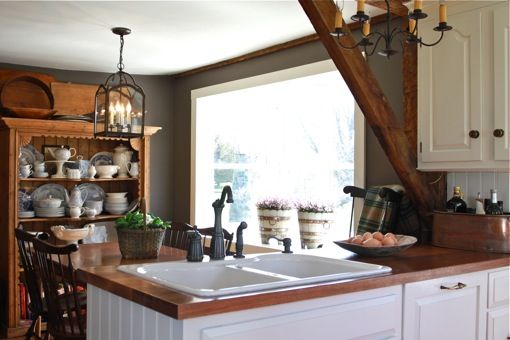 Pumpkin Hill Farm, Connecticut: High Country, Hill, Estilos Rústicos, Country House Country, Farm Life, Country Kitchen, Charming Kitchen Dining, House Country Christmas