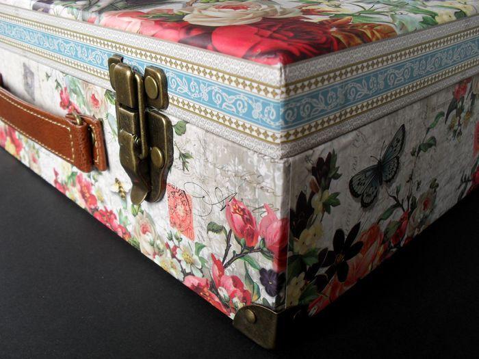 photo n°4 : Boite valise de rangement Grand Format collection Punch Studio modèle Fleur de Triomphe