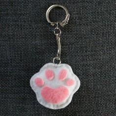 Porte clés en feutrine patte de chat