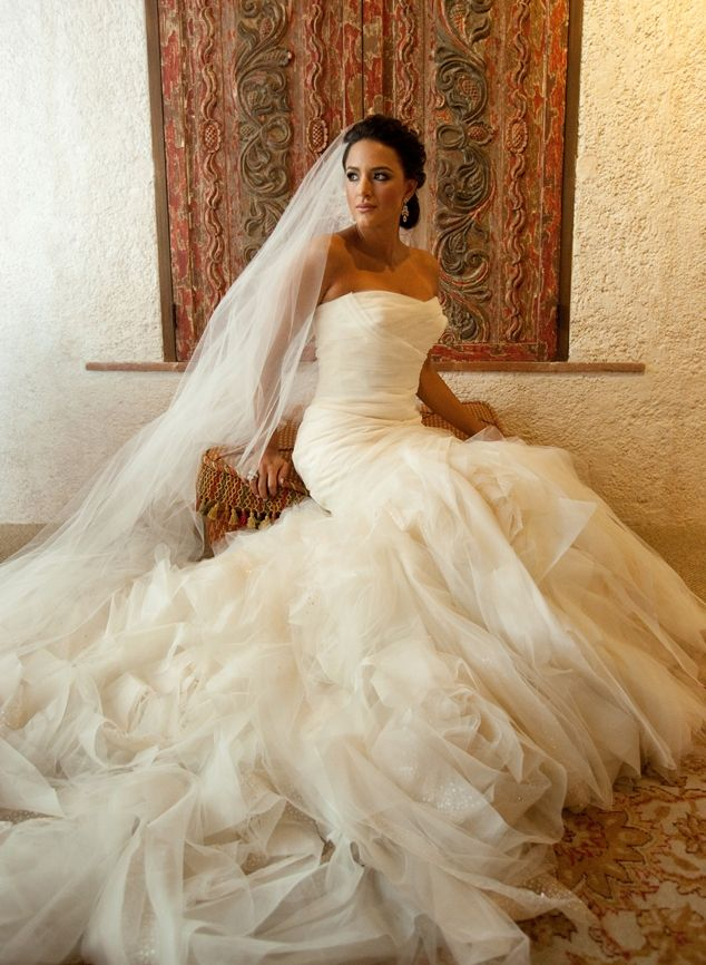 42 best wedding dress images on pinterest for Used vera wang wedding dresses