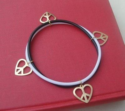 PEACE & LOVE bracelet - i need this in my life pronto!!!