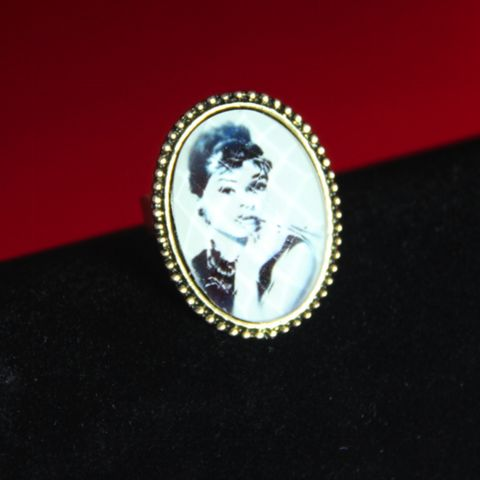 Oooh Audrey Cameo Ring