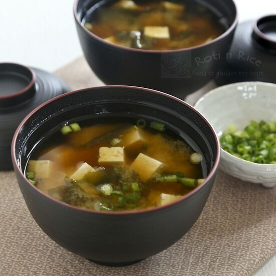 Miso Soup with wakame (seaweed), tofu, and green onions. Step-by-step ...