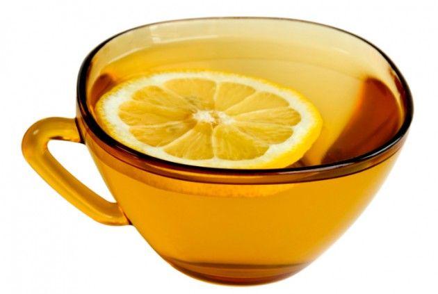 Limone, miele ed acqua calda possono aiutarvi a perdere peso.