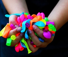 neon balloonsRainbows, Neon Balloons, Neon Colors, Summertime, Photography, Water Fight, Water Balloons Fight, Colours, Summer Time