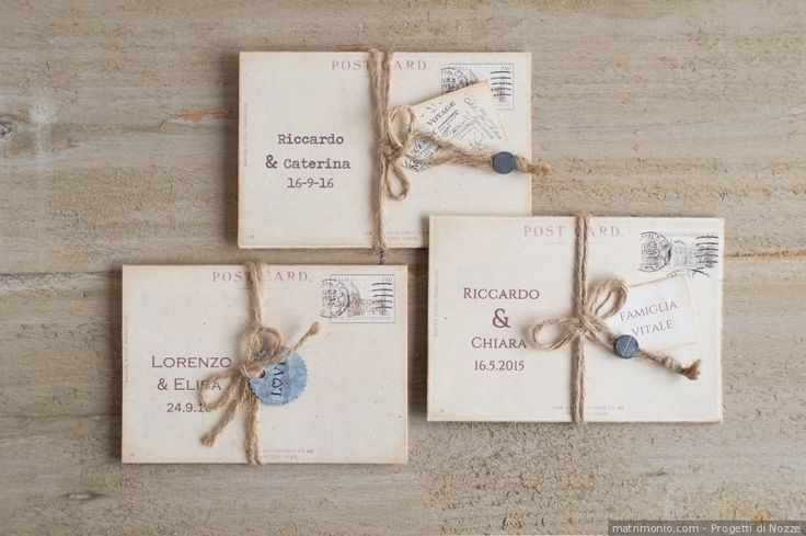 Partecipazioni di nozze per un matrimonio con stile rustico a forma di cartolina
