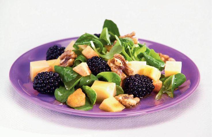 Kijk wat een lekker recept ik heb gevonden op Allerhande! Salade met zomerfruit en balsamicodressing