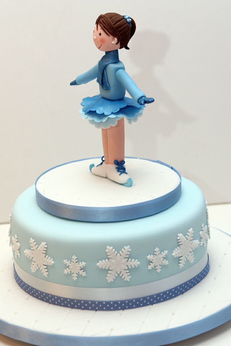 An ice skater cake topper I made for my sweet little neighbour. I used Carlos Lischetti's book for the face and hair.