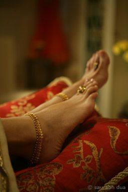 Anklet or payal and toe rings by Hazoorilal