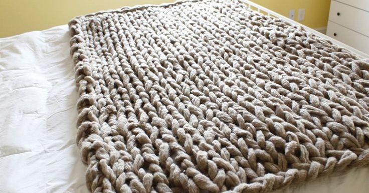 Hogyan kössünk szép és meleg takarót: egyszerű módszerrel kötőtű nélkül - Kötés - Horgolás - Kötés – Horgolás