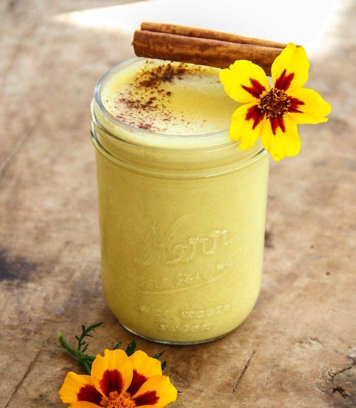 Você já ouviu falar desse leite com vários benefícios para a saúde? #leitedourado #goldenmilk #curcuma #saude