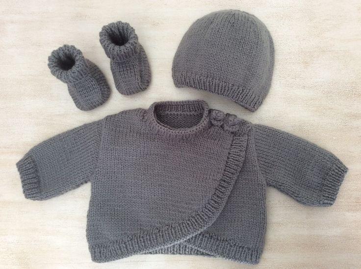 Ensemble Bébé gilet chaussons bonnet Naissance à 1 mois Tricoté main Couleur gris souris : Mode Bébé par la-p-tite-mimine