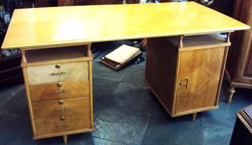 escrivaninha pé palito dos anos 50/60 de madeira clara