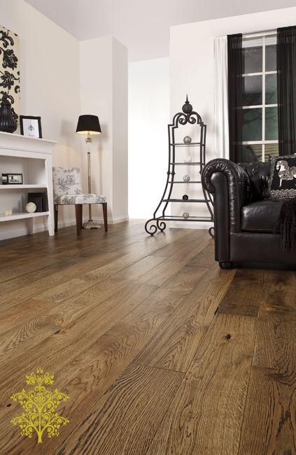 Canyon Oak features a rustic blend of light to medium brown and yellow tones with dark oak grains. This classic colour will contrast well with both lighter and darker coloured furniture and walls. This extra wide (190mm) floorboards will create a stunning looking floor.