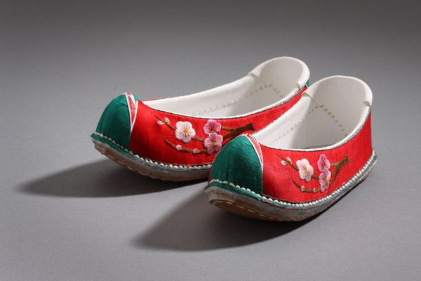 Korean traditional women's shoes