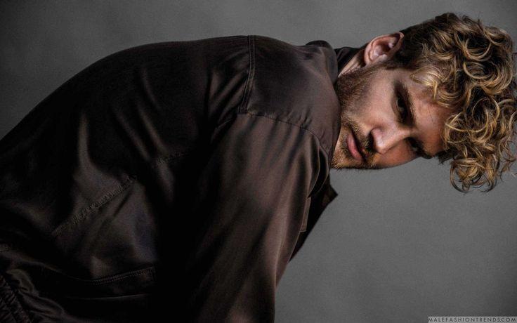 Male Fashion Trends: Bart van Maanen viste confortables looks de invierno para DAMAN Magazine