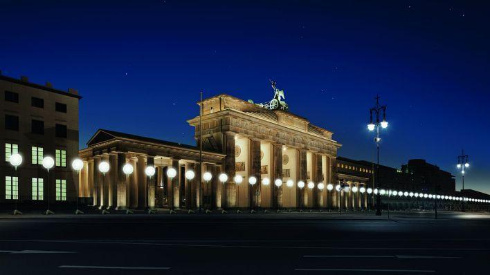 Visualisierung der LICHTGRENZE am Brandenburger Tor (Quelle: Kulturprojekte Berlin_WHITEvoid/Christopher Bauder, Foto: Daniel Büche)