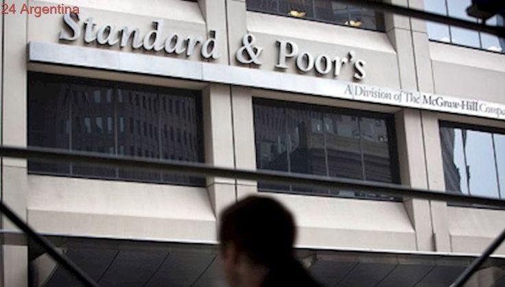 S&P sube la calificación de la Argentina al advertir expectativa de mejora económica