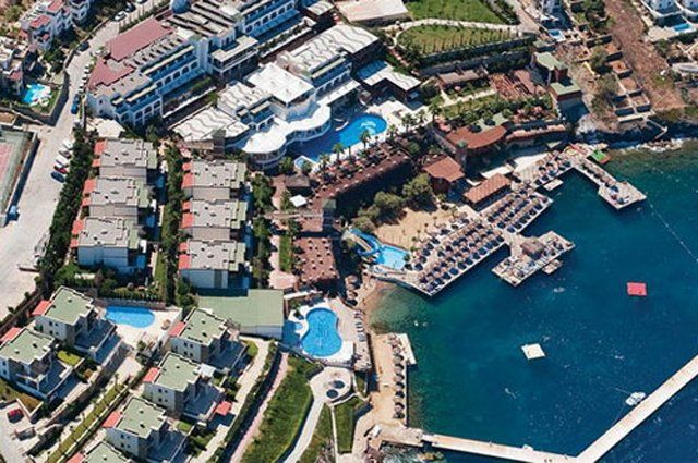 Delta Beach Resort - Tatil Merkezi