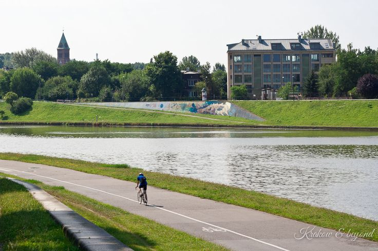 If you don't know what to do when weather is great in Krakow, here is a tip cycle, walk run, roller scate along Vistula river