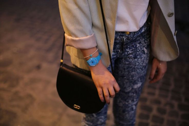 Accessories: vintage bag - Swatch watch - vintage blazer - H skinny  see more on: http://www.nuagerose.com