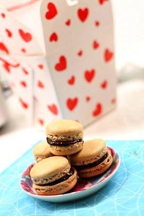 Ihaniin macaron-leivoksiin voi tehdä vaikka suklaatäytteen.