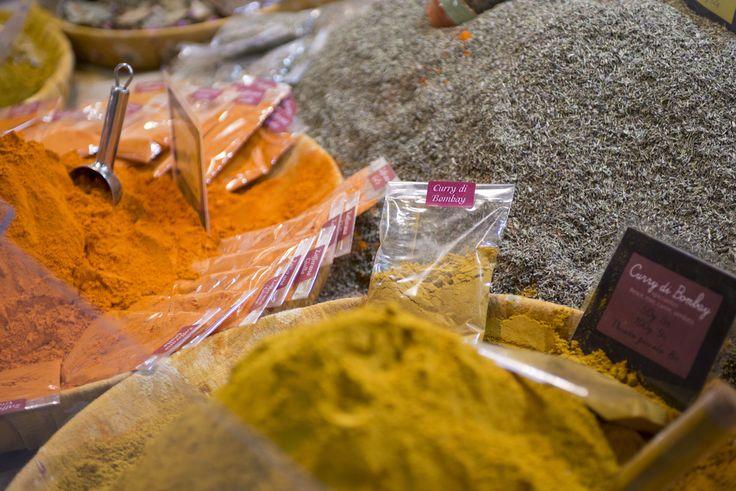 Ad ognuno la sua spezia:ce n'è per tutti i gusti! #colori #curry #ricettespeciali